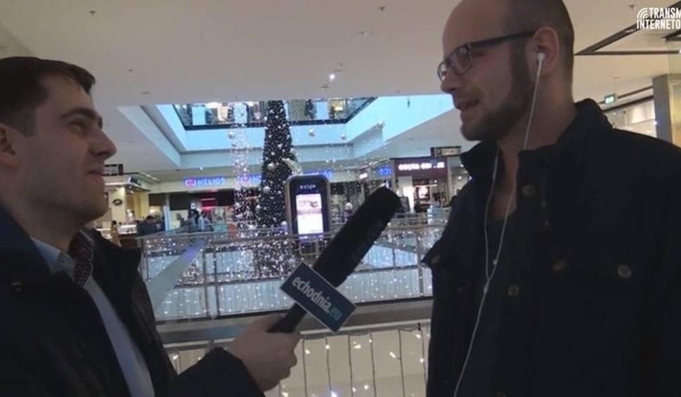 Film do artykułu: Uliczna Opinia Publiczna: Kosmetyki, skarpetki, sweterki - co kupujemy bliskim pod choinkę?