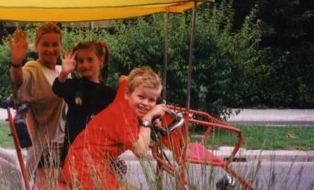 Danuta Jazłowiecka z córką Sonią i synkiem Tomkiem – takich wspólnych zdjęć w rodzinnym albumie jest najmniej.