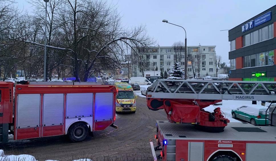 Film do artykułu: Wielka akcja służb ratunkowych w centrum Kielc. Co się stało? [ZDJĘCIA]