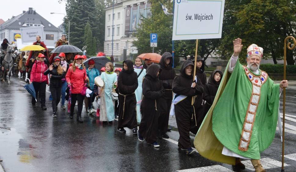 Film do artykułu: Wielka parada historyczna na 800 lat Opola (zdjęcia)