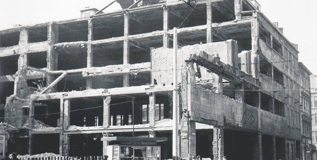 Dom Towarowy Bielschowsky na rogu św. Mikołaja i Kiełbaśniczej, 1960 rok