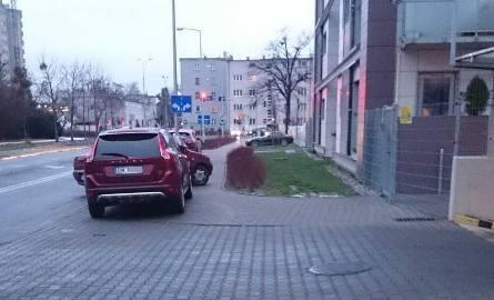 Więcej kontroli parkowania na Hallera