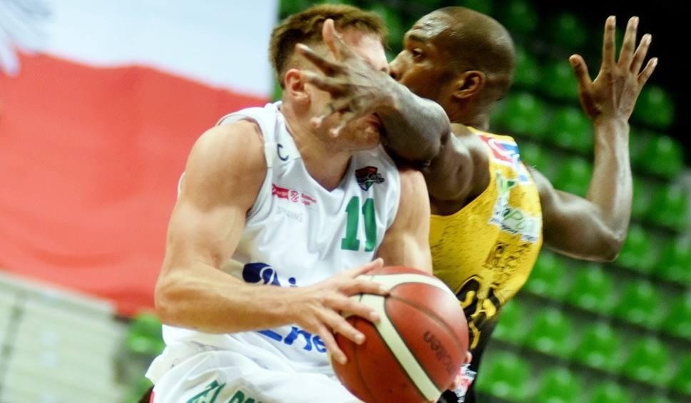 Film do artykułu: Rekord koszykarzy Zastalu Enei BC Zielona Góra. Znów wygrali, ale kapitan Łukasz Koszarek z pozytywnym testem na koronawirusa