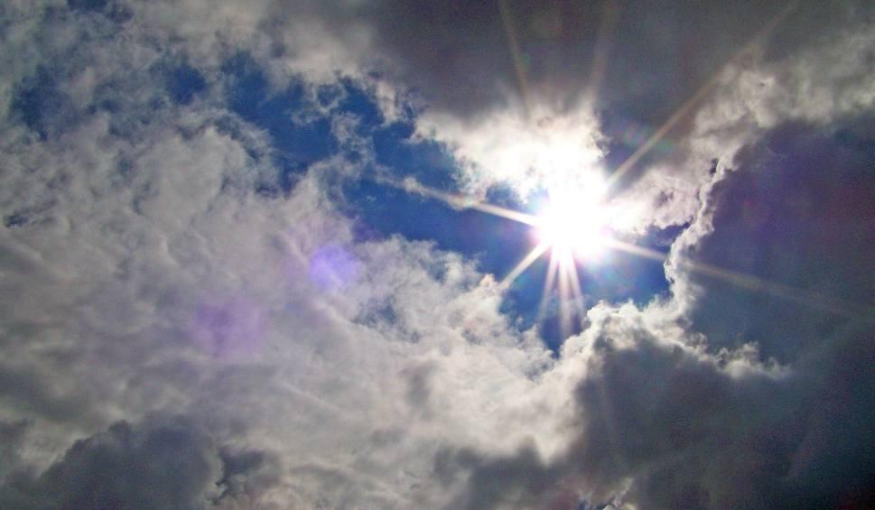 Film do artykułu: Sobota na Podkarpaciu będzie jeszcze ponura, ale za to niedziela będzie bardziej przyjemna. W poniedziałek samo słońce