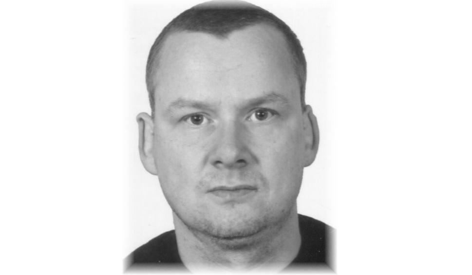 Film do artykułu: Zaginął 39-letni Jacek Zwierzyński z Cieplewa. Od tygodnia nie ma z nim kontaktu. Policja prosi o pomoc