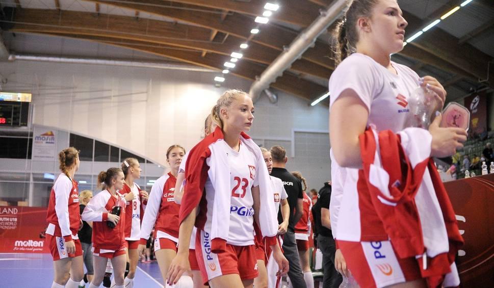 Film do artykułu: Mundial Kielce. Polskie piłkarki ręczne przegrały z Danią i w czwartek zagrają z Japonią o 13. miejsce w turnieju [ZDJĘCIA]