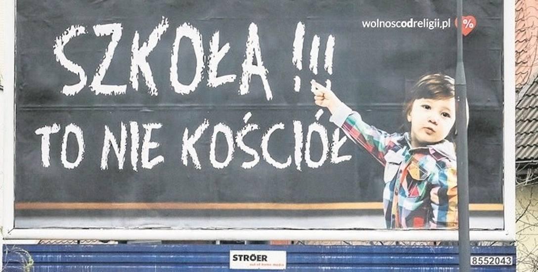 Kampania billboardowa Fundacji Wolność od Religii dotarła do Bydgoszczy. Czy sprowokuje do zastanowienia?