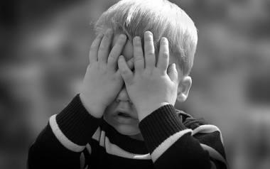 """Skandaliczny """"chrześcijański"""" poradnik dla rodziców! Twoje dziecko nie sprząta? """"Musisz dać mu klapsa"""" [23.01.2020]"""