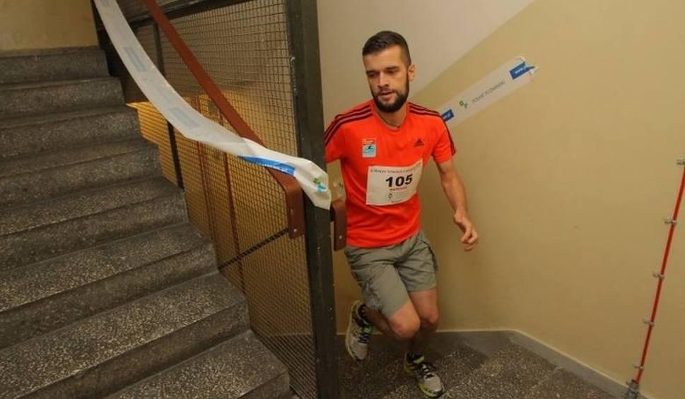 Film do artykułu: Biegiem po schodach [KOMENTARZ]