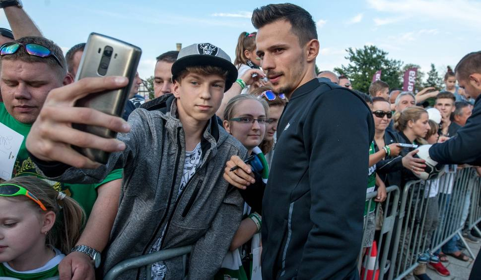 Film do artykułu: Dlaczego Rafał Wolski nie trafił do Legii? Piłkarz Lechii był zdecydowany na transfer