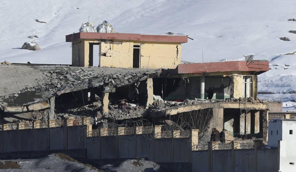 Film do artykułu: Zamach w Afganistanie. 120 osób zginęło w wyniku eksplozji samochodu-pułapki