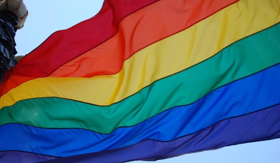 Film do artykułu: Fundacja LGBT wygrywa z drukarzem w Sądzie Najwyższym. Ziobro krytykuje wyrok sądu