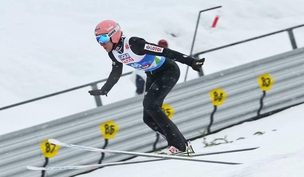 Film do artykułu: Dawid Kubacki liderem Turnieju Czterech Skoczni. Skoki narciarskie w Innsbrucku były ekscytujące