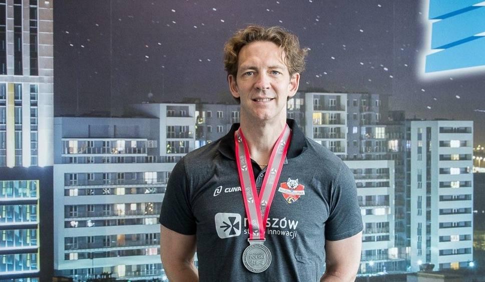 Film do artykułu: Stephane Antiga, trener Developresu Rzeszów: Fajnie, że dostajemy medale, ale szkoda, że nie było imprezy