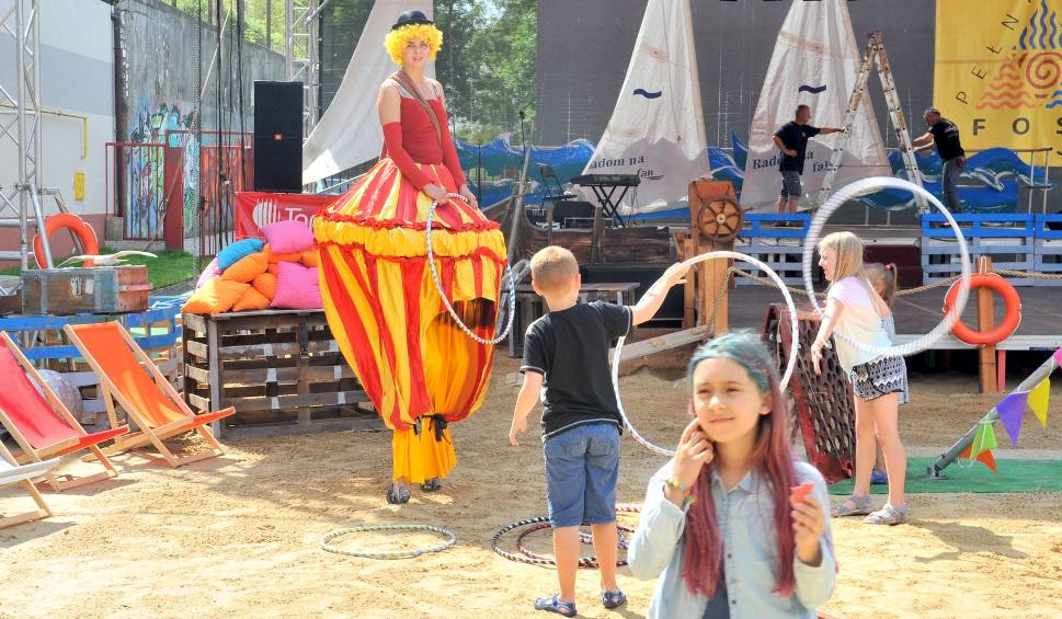 Film do artykułu: W Amfiteatrze w Radomiu sobota upłynęła pod znakiem Fosy Pełnej Kultury