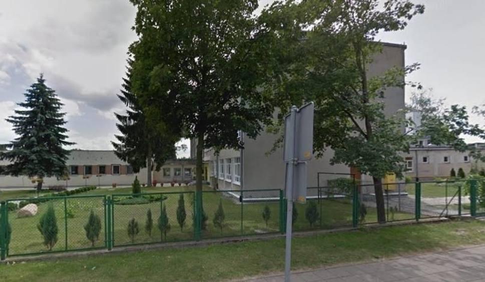 Film do artykułu: Spór w SP nr 4 w Puławach. Rodzice oskarżają dyrektorkę o nierówne traktowanie dzieci
