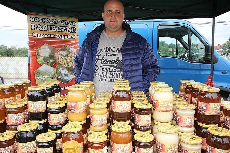 O pszczołach i produktach prosto z ula na Kiermaszu Pszczelarskim w Kielcach [WIDEO, zdjęcia]