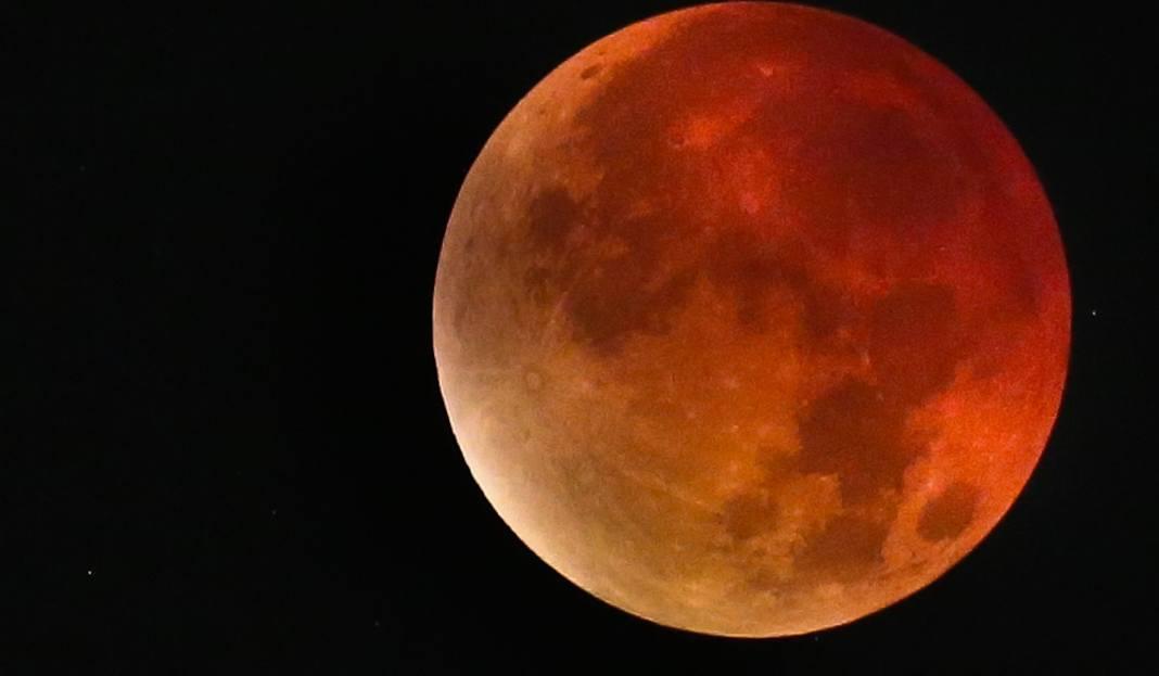 Znalezione obrazy dla zapytania zaćmienie księżyca