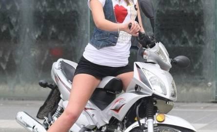 Miss Lata 2011 wyjedzie z Borkowa na skuterze ufundowanym przez firmę Domgoss, właściciela między innymi salonów z bielizną Body & Senses - bielizna