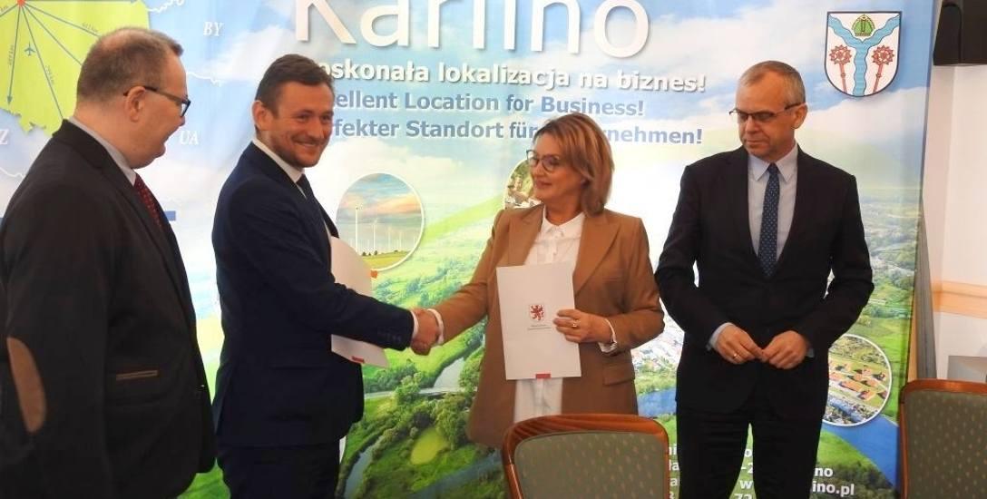 """Inwestycja, którą zrealizuje spółdzielnia socjalna """"Feniks"""" dofinansowana będzie eurofunduszami Regionalnego Programu Operacyjnego. Umowę w tej sprawie"""