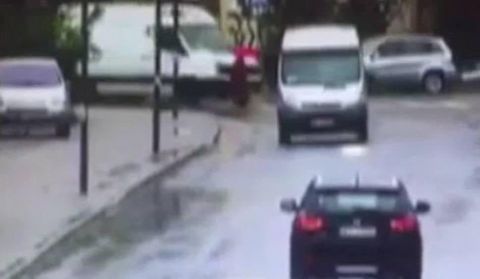 Film do artykułu: Wyszków. Potrącenie pieszej. 76-latka na przejściu dla pieszych potrącona przez dostawczego volkswagena Drastyczne wideo
