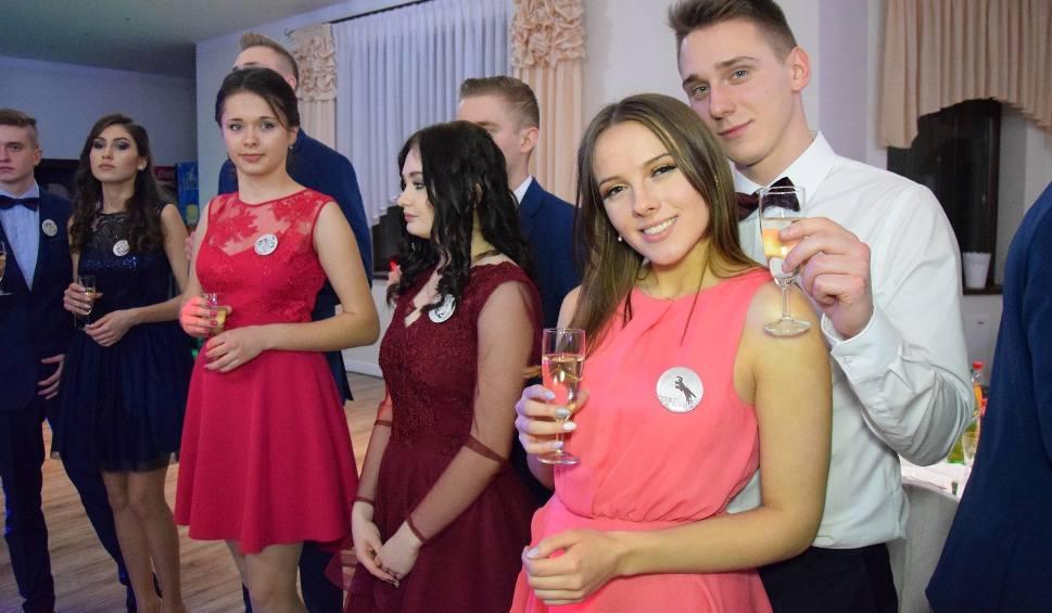 Film do artykułu: Studniówka 2018 CKZiU w Strzelcach Opolskich - tak bawili się uczniowie technikum