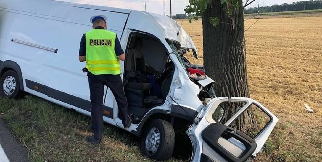 W tym wypadku, do którego doszło 29 lipca na drodze krajowej nr 11 w Kostowie, zginęły dwie osoby.