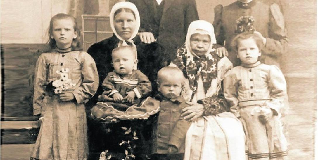 Cyprian i Katarzyna Haisch wraz z rodziną.
