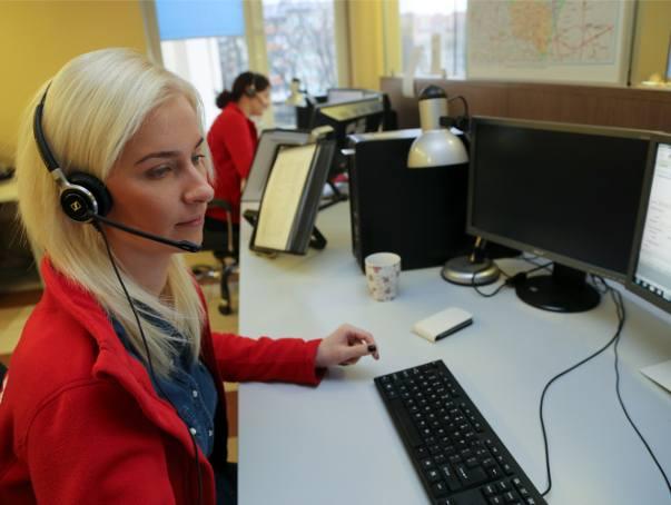 Niestety, ciągle większość odbieranych w CPR telefonów to zgłoszenia fałszywe. Każde takie połączenie zajmuje jednak czas, w którym można by pomóc komuś,