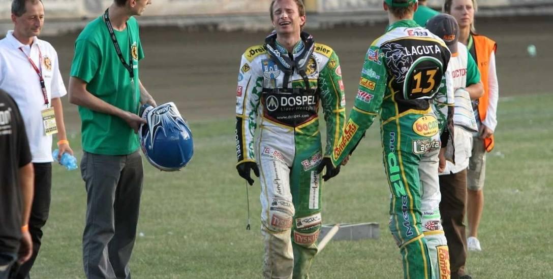 Historyczna chwila - płacz Runego Holty  po tym, jak w ostatnim biegu półfinałowego meczu miał defekt motocykla, przez co do finału awansował Unibax