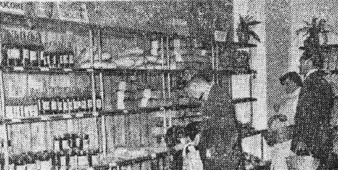 Eksperymentalny sklep znajdował się w centrum publicznej uwagi. Fot. z Gazeta Białostocka 1956 rok.
