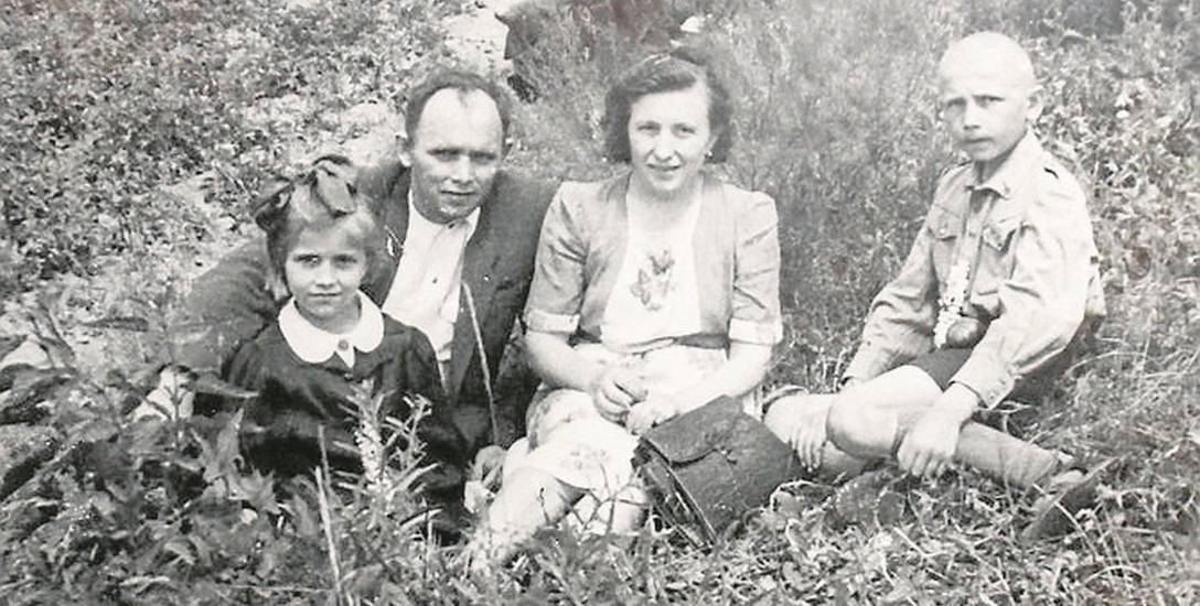 Na pielgrzymce u świętego Antoniego w Niewodnicy, od lewej: Wiesia, ojciec Wiesław, mama Leokadia, syn Waldek
