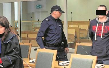 Oskarżony Przemysław B. ps. Bolo zaprzeczał, że miał zamiar zabójstwa swojego wujka, ale potwierdzał, że był przez niego molestowany w dzieciństwie