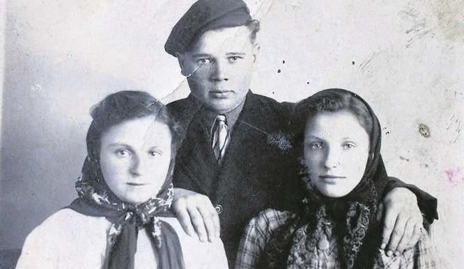 Rok 1943. Helena Gotfryd, Poldek Kwiatkowski i Janina Procek