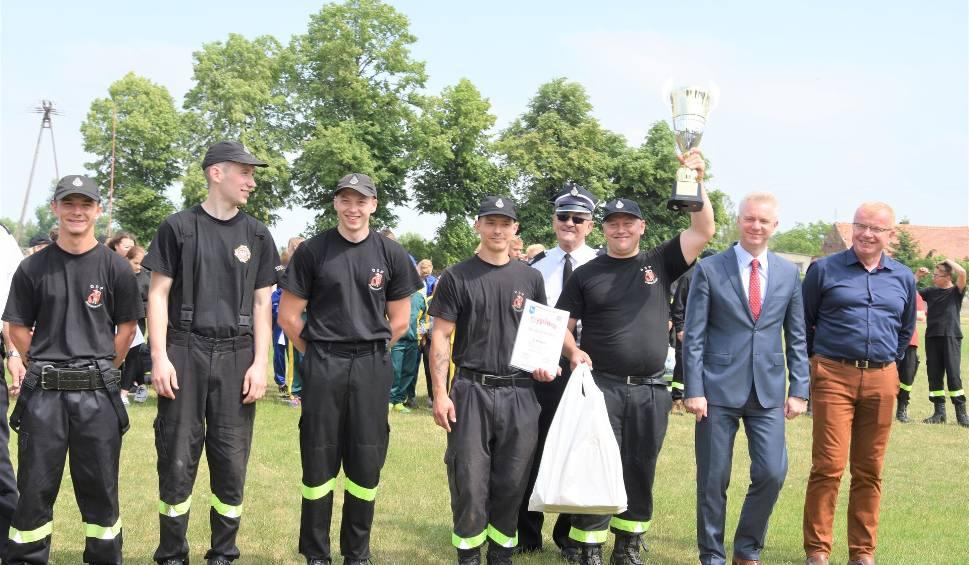 Film do artykułu: Strażacy z Drzewianowa wciąż niepokonani. Wygrali zawody sportowo-pożarnicze w Mroczy