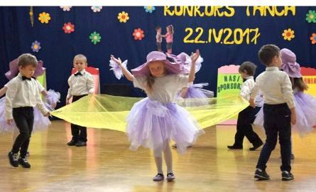 W jubileuszowym konkursie udział wzięła ponad setka dzieci reprezentujących przedszkola w Strzelnie, Ciechrzu, Stodołach, Markowicach, Wronowach, a także