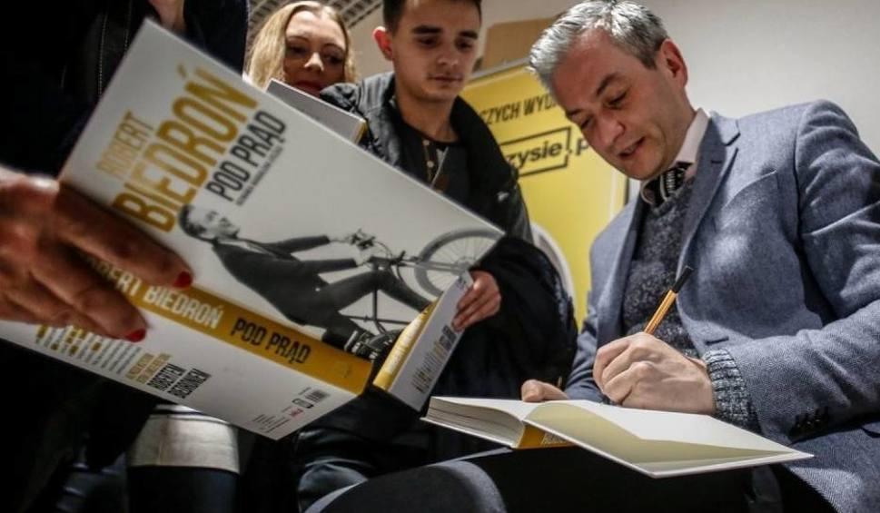 """Film do artykułu: """"Robert Biedroń - Pod prąd"""" - spotkanie z prezydentem w Media Markt"""