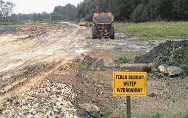 Na budowie dąbrowskiej obwodnicy niewiele się w tym momencie dzieje. Wykonawca ma inne kłopoty
