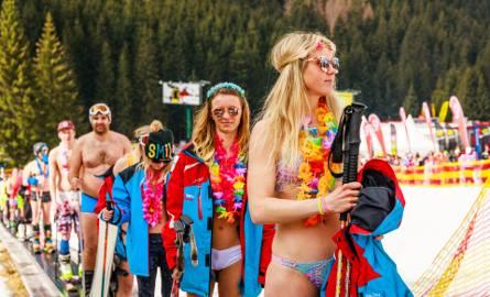 W bikini na nartach