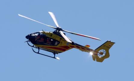 W akcji ratowniczej bierze udział śmigłowiec Lotniczego Pogotowia Ratowniczego