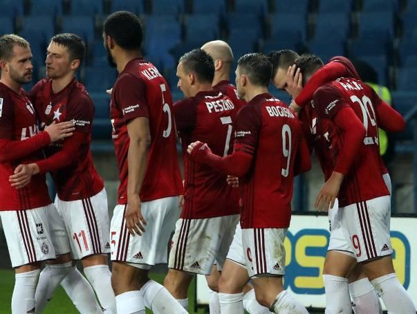 Aż 12 piłkarzom z podstawowego składu Wisły Kraków kontrakty wygasają 30 czerwca tego roku. To oznacza, że de facto już za miesiąc, po ostatnim meczu