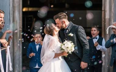 Ze względu na epidemię koronawirusa wesela w 2020 r. są masowo przekładane. Młodzi nie chcą brać ślubu przy ograniczonej liczbie gości, nie mogąc się