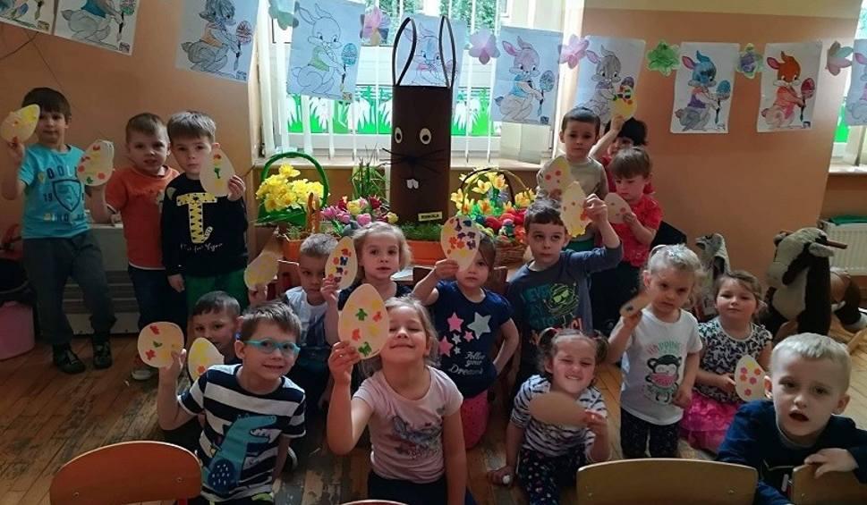 Film do artykułu: Warsztaty i zajęcia wielkanocne dla przedszkolaków w Kijach [ZDJĘCIA]