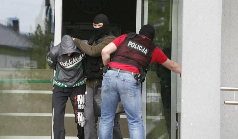 Film do artykułu: CBŚP z Zielonej Góry rozbiło grupę, kradnącą panele fotowoltaiczne. Zatrzymano 56 osób [ZDJĘCIA]