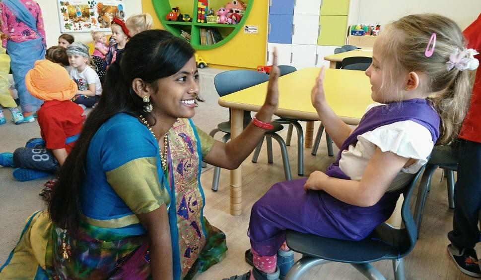 Film do artykułu: Dzień indyjski w Przedszkolu Miś w Szczecinku [zdjęcia]