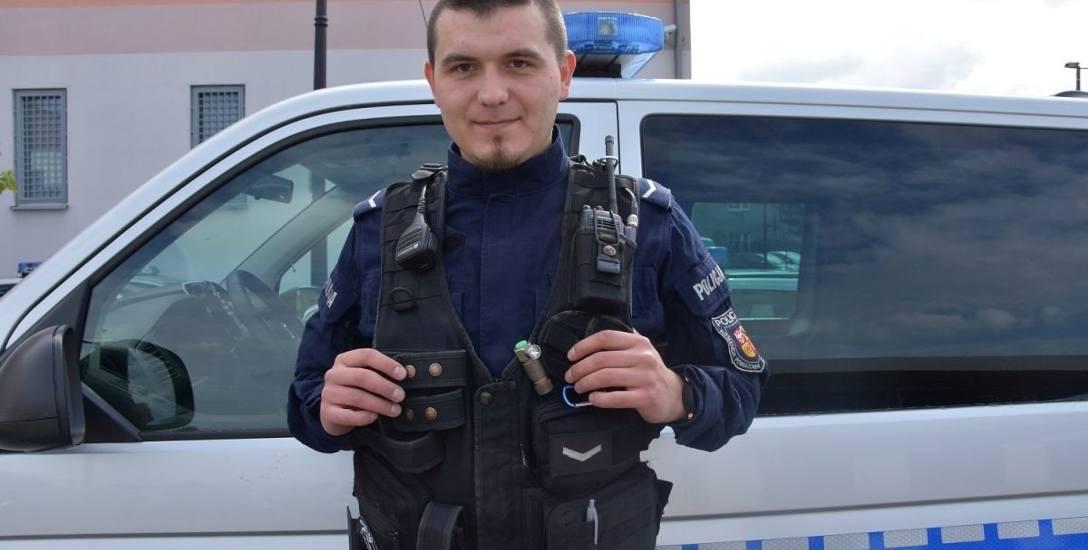 Sierżant Kamil Biernacki pełni służbę od trzech lat i od początku w świebodzińskiej komendzie.