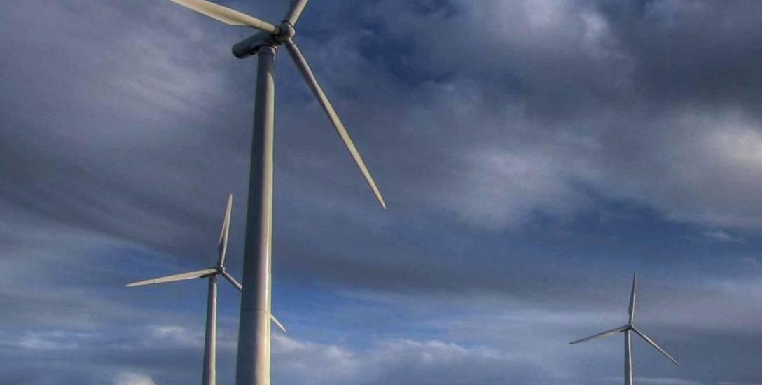 Powiat sławieński: Muszą zwrócić miliony za wiatraki. Ustawa uderza w budżety gmin