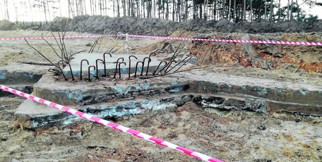Na czwartym odcinku budowy drogi S5 w naszym województwie w okolicy Osówca podczas prac odsłonięto fundamenty bunkra. Prawdopodobnie nigdy nie został