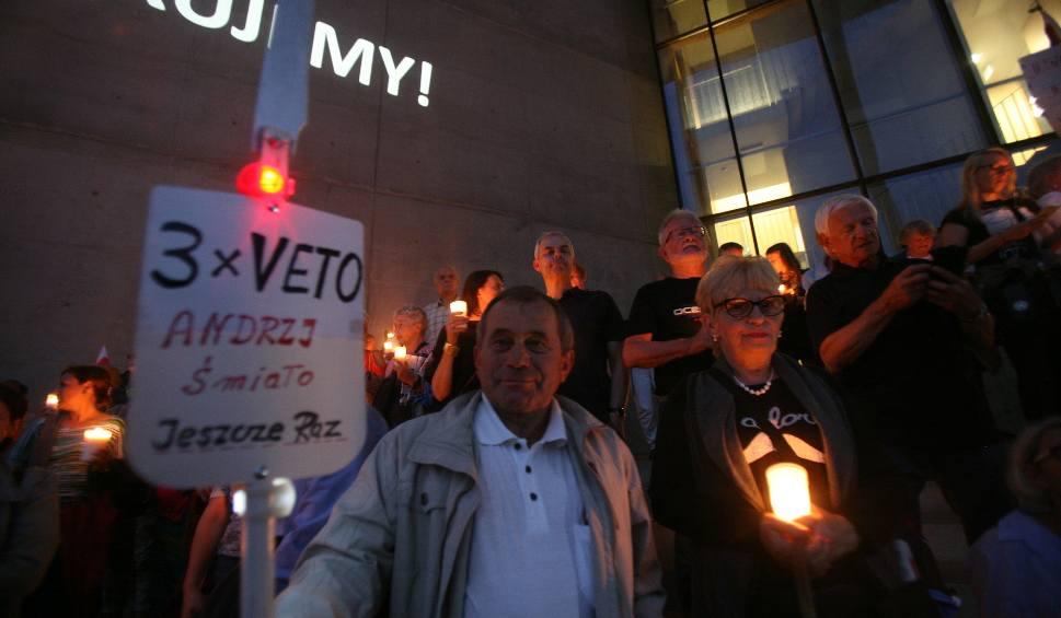 Film do artykułu: Katowice: Mimo weta prezydenta Dudy, manifestacje nie ustają ZDJĘCIA