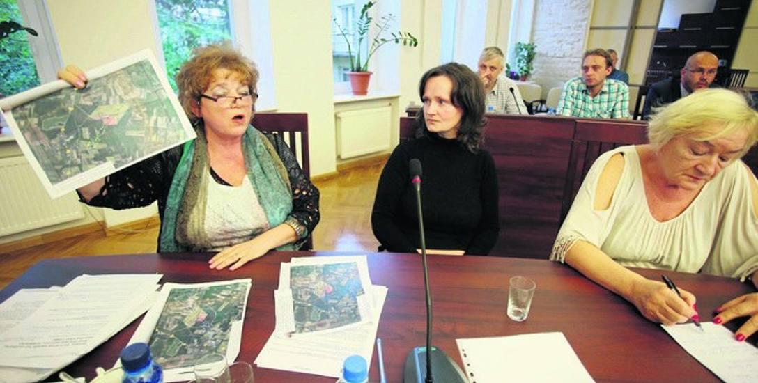 Na spotkaniu rad gminy i miasta Ustka trwała gorąca dyskusja na temat planowanej inwestycji w Duninowie. Zdaniem wielu radnych, przetwórnia miałaby negatywny